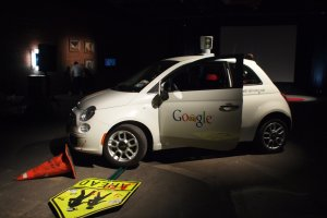Ekspert Google zdradza kiedy samosteruj�ce samochody stan� si� dost�pne