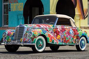 Aukcje | Klasyczny Mercedes w kwiatki