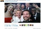 """Sk�d wzi�� si� fenomen selfie? I czy """"fotki z r�si"""" s� aby na pewno nowo�ci�?"""