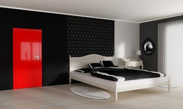 Wnętrza: czy drzwi na wysoki połysk to dobry pomysł do małego mieszkania?