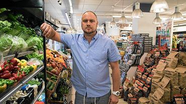 Łukasz, właściciel sklepu z Poznania, oskarżony o pozbawienie wolności złodzieja