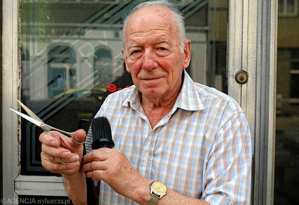 Najstarszy Fryzjer W Chorzowie Strzyże Już Od Ponad 70 Lat