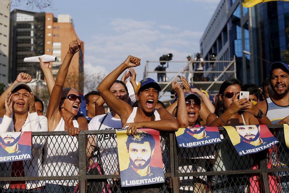 Znalezione obrazy dla zapytania socjalizm wenezuela