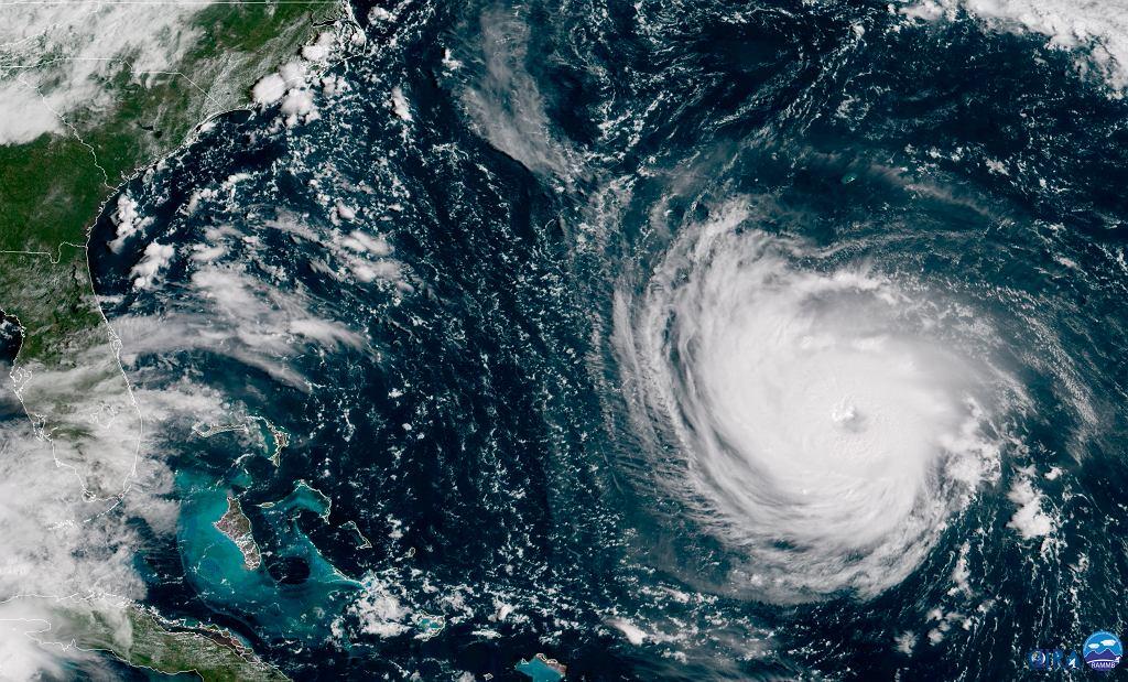 Zdjęcie satelitarne huraganu Florence zbliżającego się do USA