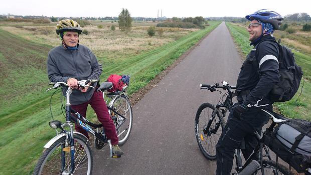 rowerzysta spotkany na trasie. Pozdrawiamy!