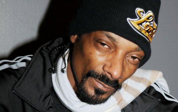 Raper ujawnił, jak będzie wyglądać tracklista jego najnowszej płyty i jakie gwiazdy na niej wystąpią.