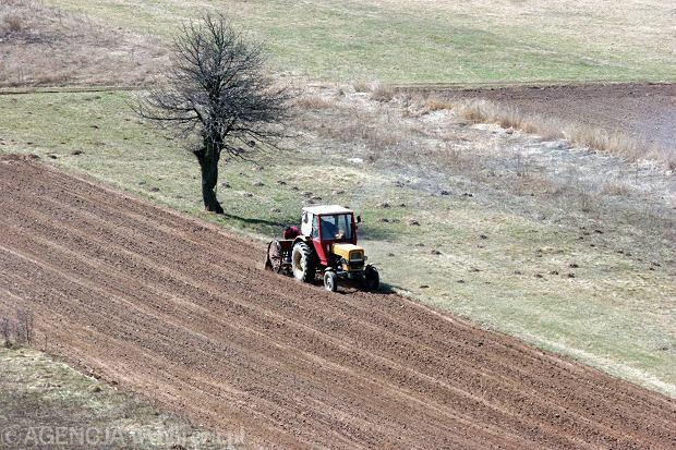 Obr�t ziemi� roln�: Ostateczne zmiany dla rolnik�w