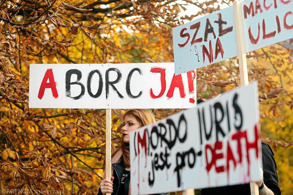 Zdjęcie numer 1 w galerii - Polska chce usunięcia zapisów w dokumentach ONZ. Chodzi o dostęp do aborcji i karanie kobiet