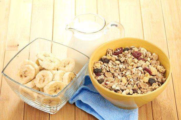 owsianka, banan, owoce, śniadanie