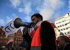 Micha� Korczak, lider wroc�awskiego KOD: Wolno�ci odda� nie umiem [WYWIAD]