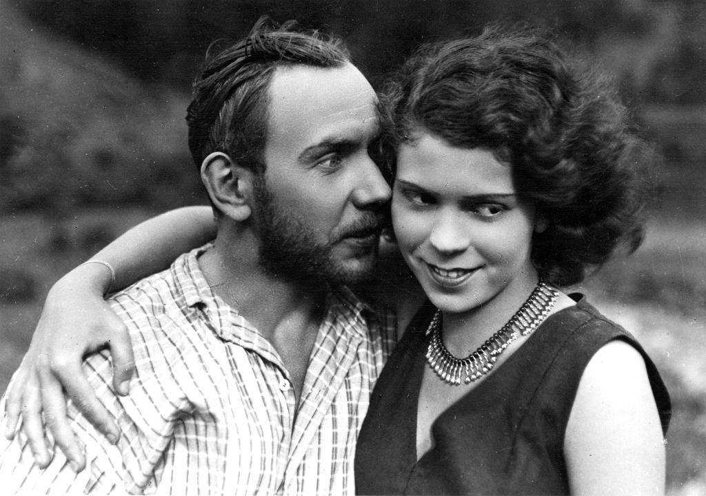 Nora Ney i Włodzimierz Metelski w filmie ''Kobieta, która grzechu pragnie'', 1929 r. (fot. Zbiory Filmoteki Narodowej)