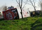 Wypadek Polskiego Busa pod Warszawą. Autobus wjechał do rowu
