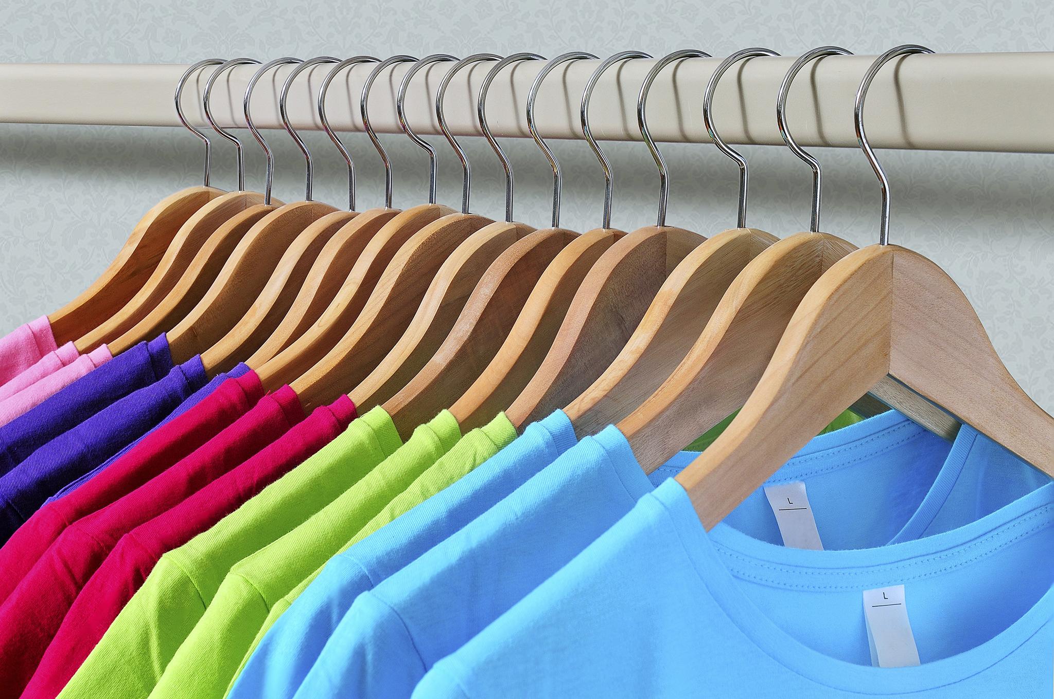 0c22a3ae14e7 Tanie koszulki z nadrukami - propozycje do 100 zł