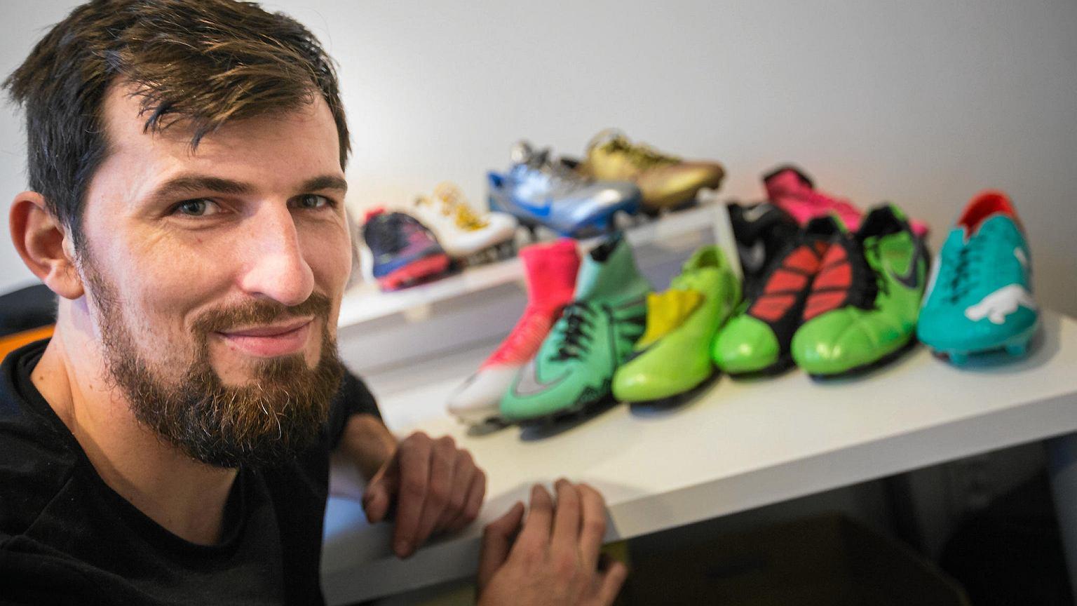 c260bd4142755 Stworzył największą giełdę butów piłkarskich w Polsce. Sam ma ich ponad  300. Jak działa