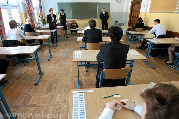 Próbny egzamin gimnazjalny z Operonem już JUTRO! Co będzie? Co czują gimnazjaliści? [TWITTER]