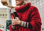 Grube sploty: ciepłe swetry w zimowych stylizacjach