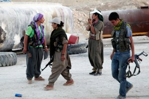 Amerykanie zacz�li dozbraja� Kurd�w w Iraku
