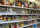 Ponad 600 mln zł rocznie i 2800 miejsc pracy tracimy na podrabianym alkoholu