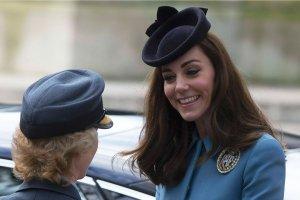 """Ksi�na Kate na uroczysto�ciach RAF-u. Dow�dczyni wzruszona. """"Emocjonalne spotkanie"""""""