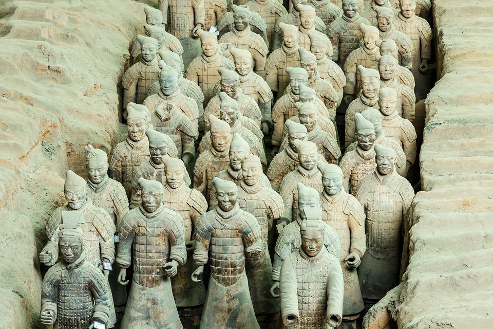 Terakotowa armia. Symbol obsesji pierwszego cesarza Chin na punkcie nieśmiertelności.
