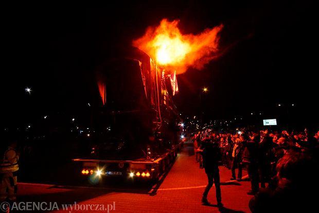 Zdjęcie numer 45 w galerii - Lech Poznań ma już swoją lokomotywę. Parowóz stanął przed stadionem przy Bułgarskiej