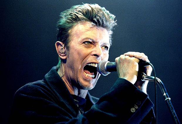 """Mamy dzisiaj wyjątkową rocznicę. 8 stycznia na świat przyszedł Dawida Bowie! Gdyby żył, artysta obchodziłby 71 urodziny! Z tej okazji, do tej pory niepublikowane demo ujrzało światło dzienne. To demo piosenki """"Let's Dance"""". I jest już w sieci."""