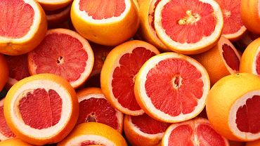 Grejpfrut oprócz dużej ilości witamin zawiera kwas salicylowy, który znany jest z odkażającego działania