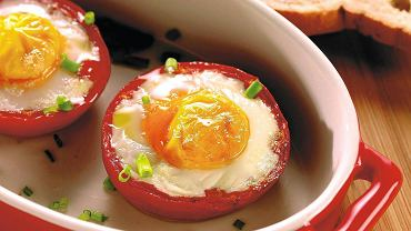 Jajko sadzone w pomidorze