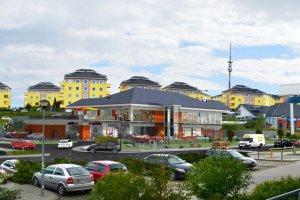 Ksi�dz planowa� postawi� hospicjum, przedszkole i amfiteatr, a sprzeda� grunt pod centrum handlowe