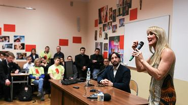 Aktywistka antyaborcyjna Rebbeca Kiessling podczas spotkania organizowanego przez Ordo Iuris (organizację 'pro-life', słynącą ze zwalczania edukacji seksualnej w szkołach i zapłodnienia in vitro)