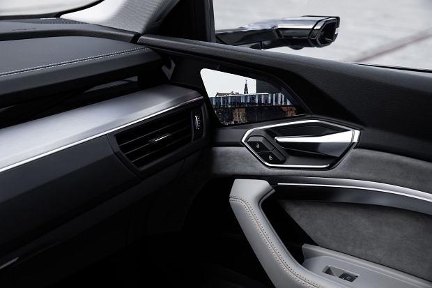 Lusterko w formie kamery w Audi e-tron