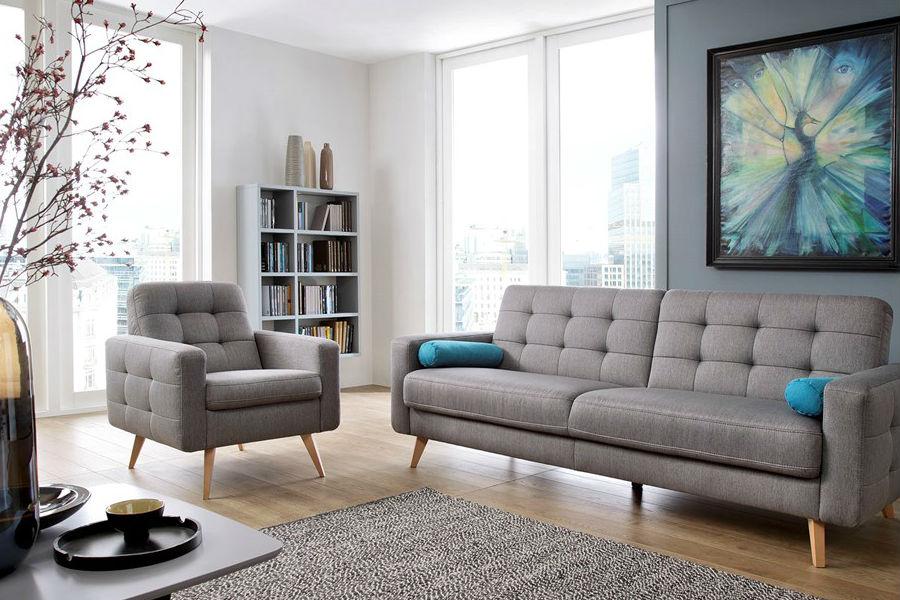 HIT: sofa na wysokich nóżkach