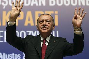 Tureckiej katastrofy ciąg dalszy. Agencje tną ratingi kredytowe,  prognozujemy recesję