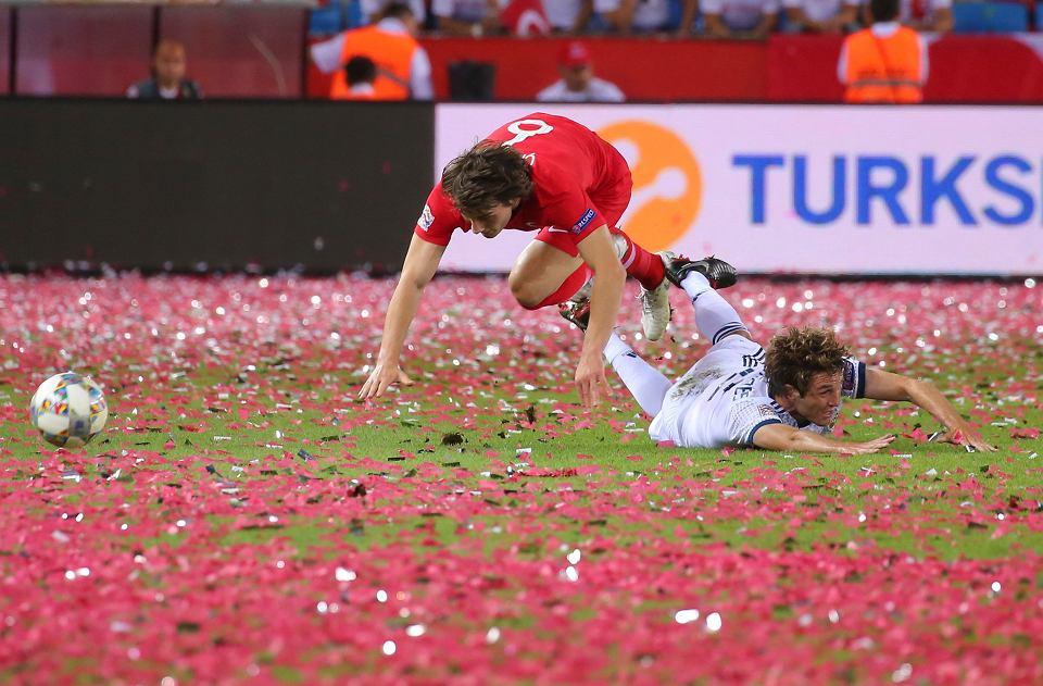 Liga Narodów ma dodać międzypaństwowemu futbolowi kolorytu. Na zdjęciu Caglar Soyuncu w meczu Turcja - Rosja