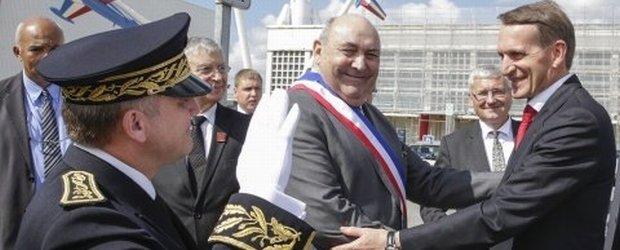 """Tak """"dzia�aj�"""" sankcje. Jest na """"czarnej li�cie"""" UE od aneksji Krymu. A Francja przyjmuje go z honorami"""