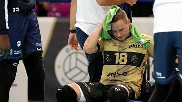 Onico Warszawa na inaugurację sezonu PlusLigi wygrało z Cuprum Lubin 3:0. Piątkowy mecz na Torwarze oglądało aż 5 tys. widzów. W barwach stołecznej drużyny zagrali dwaj mistrzowie świata: Bartosz Kwolek i Damian Wojtaszek.