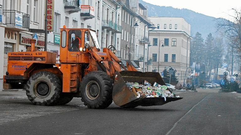 01.01.2013 Zakopane, Krupówki. Sprzątanie po zabawie sylwestrowej.