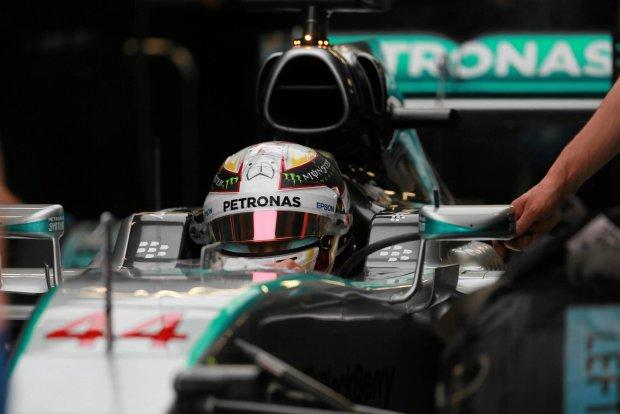 F1. Kwalifikacje do GP Meksyku. Mistrz �wiata Hamilton zn�w przegrywa z Rosbergiem