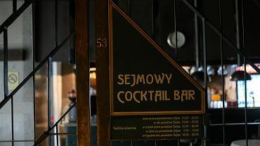 13 listopada 2009 , sejmowy bar ' Za kratą '