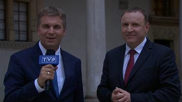 """Tylko papie� znikn�� z TVP, pojawi� si� Jacek Kurski. """"Okrutnie krzywdz� TVP"""""""