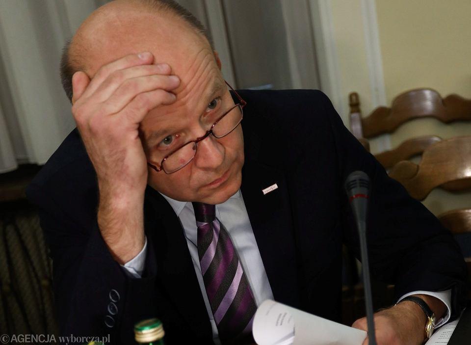 49e973fbba Minister zdrowia Konstanty Radziwiłł podczas posiedzenia Sejmowej Komisji  Zdrowia