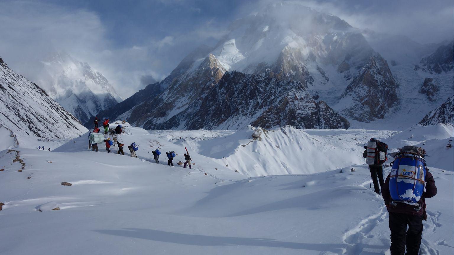 W drodze do bazy pod K2 (fot. archiwum Rafała Froni)