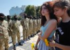 Agentka czy wariatka? Kim jest kobieta organizuj�ca protesty kobiet przeciw powo�ywaniu Ukrai�c�w do wojska