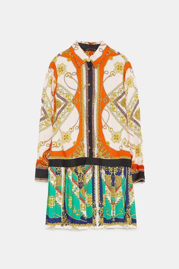 e75b811353 Plisowana spódnica wystająca spod płaszcza