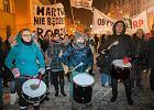 """Bębniarki z """"czarnego marszu"""" spisane przez policję"""