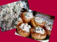 Sa�atka z tu�czyka, oliwkami i fet� w puddingowych babeczkach - ugotuj