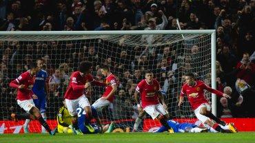Kapitalny pocz�tek Manchesteru. Rooney! Chelsea przegrywa u siebie