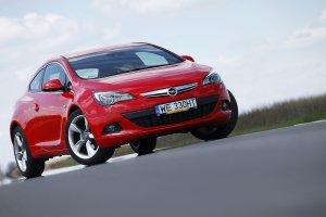 Opel Astra GTC | Wideo | Jak jeżdżący koncept