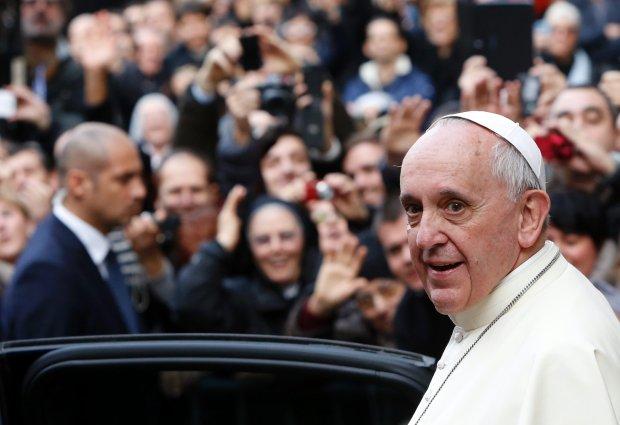 """Papie� zdziwiony nagrywa si� zakonnicom na sekretark�: """"Co takiego robicie, �e nie odbieracie?"""""""