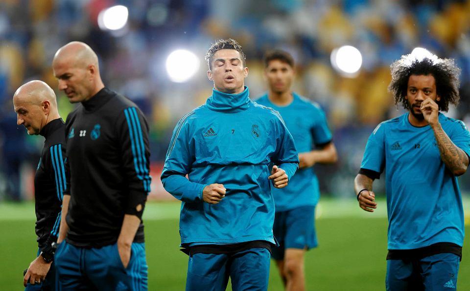 Cristiano Ronaldo (w środku) i Marcelo (z prawej)
